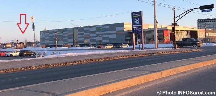 terrain identifie avec fleche gare Vaudreuil rue Elmer-Lach et CentreMultisports Vaudreuil-Dorion 2018 photo INFOSuroit
