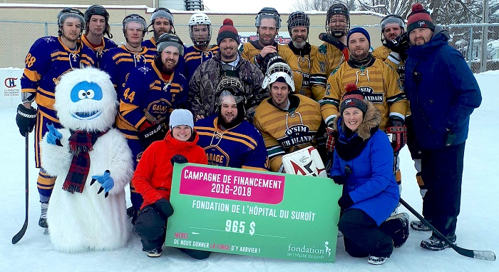 tournoi hockey YetiFest remise du cheque a Fondation Hopital Suroit photo courtoisie FHS