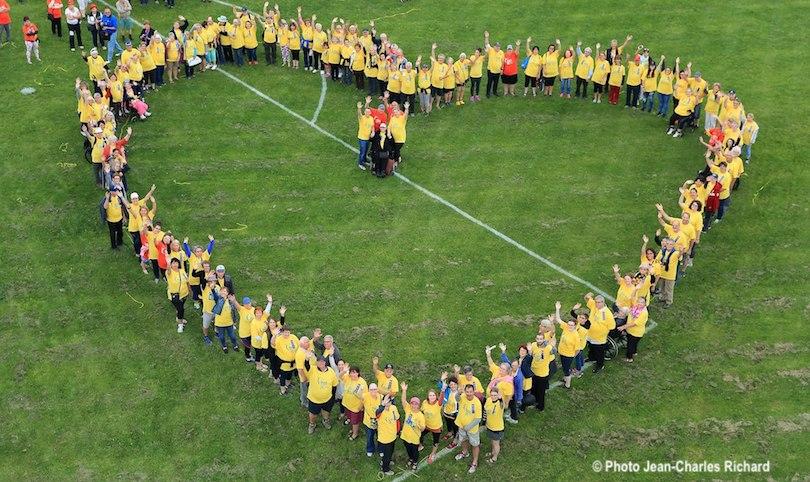 Coeur geant benevoles Relais pour la vie Vaudreuil-Soulanges 2018 photo Jean-Claude_Richard via SCC