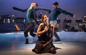Corps-Amour-Anarchie-LeoFerre-spectacle-interdisciplinaire-danse-Valleyfield-photo-via-Valspec.