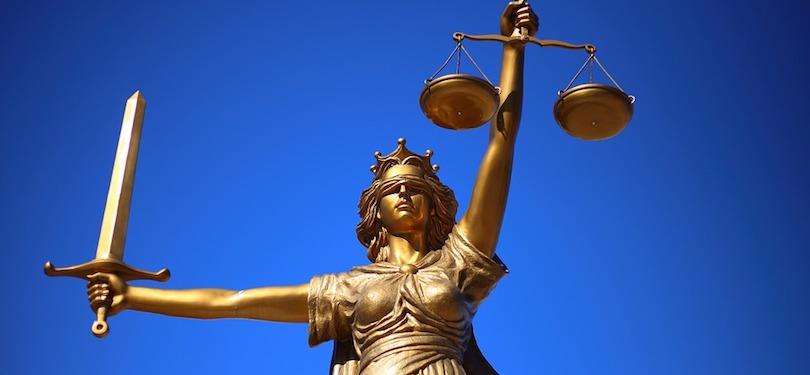 Dame Justice statue jugement justice photo WilliamCho Via Pixabay CC0 et INFOSuroit