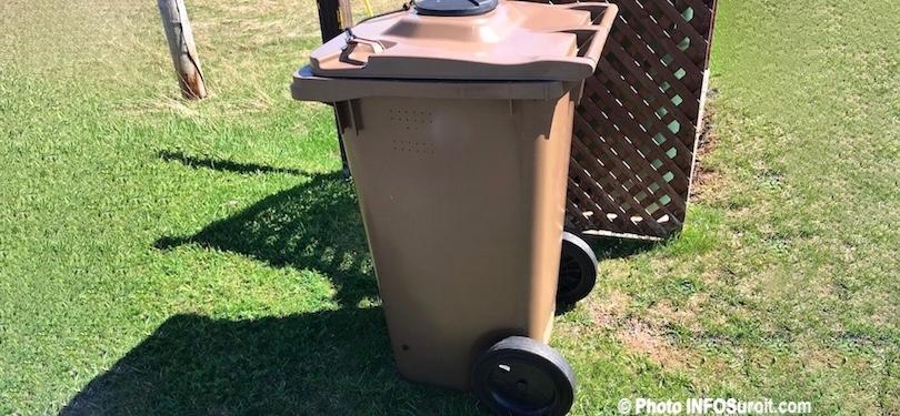 bac brun matieres organiques compostage photo INFOSuroit_com