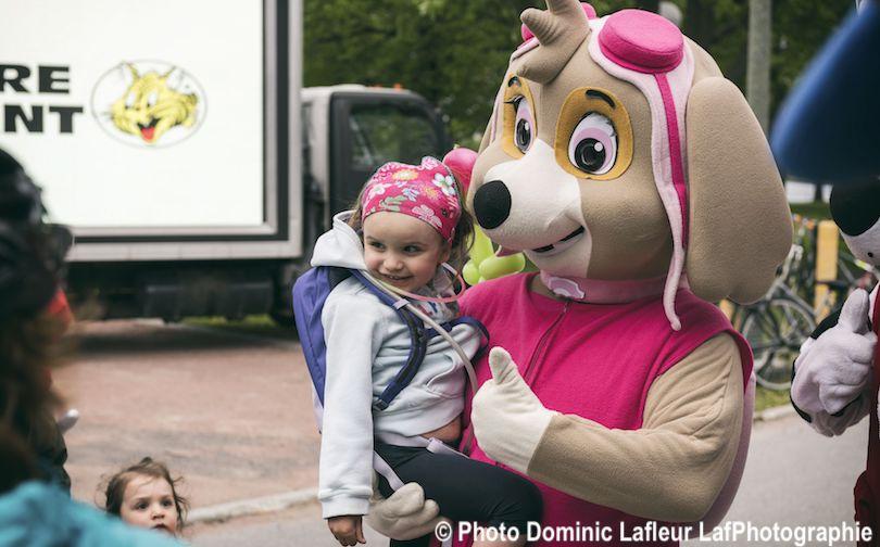 enfants et mascotte de PatPatrouille VireeVelo 2018 pour Fondation hopital photo Dominic_Lafleur LafPhotographie
