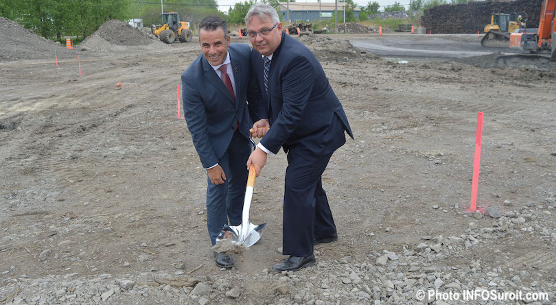 ministre Stephane_Billette et Pascal_Dupuis president Industries JPB Photo INFOSuroit_com