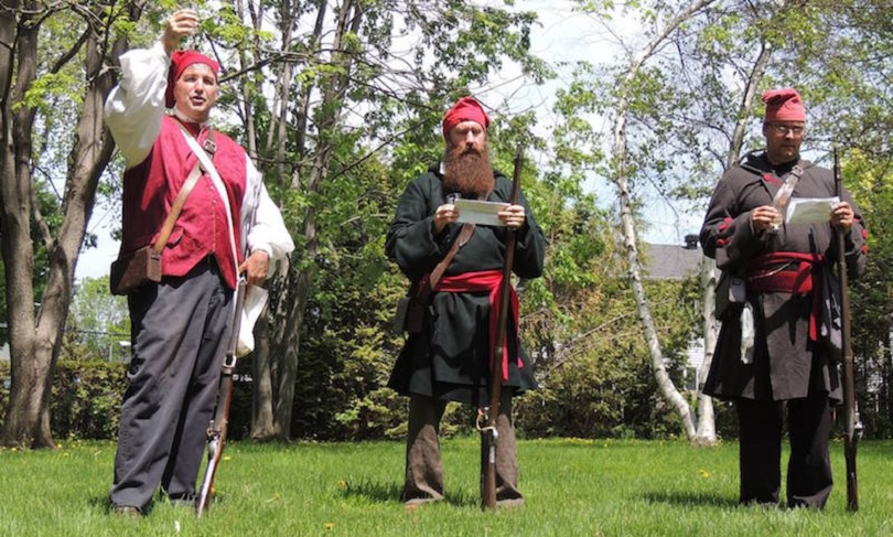 patriotes ceremonie Maison_LePailleur Chateauguay fusil photo courtoisie SMGC
