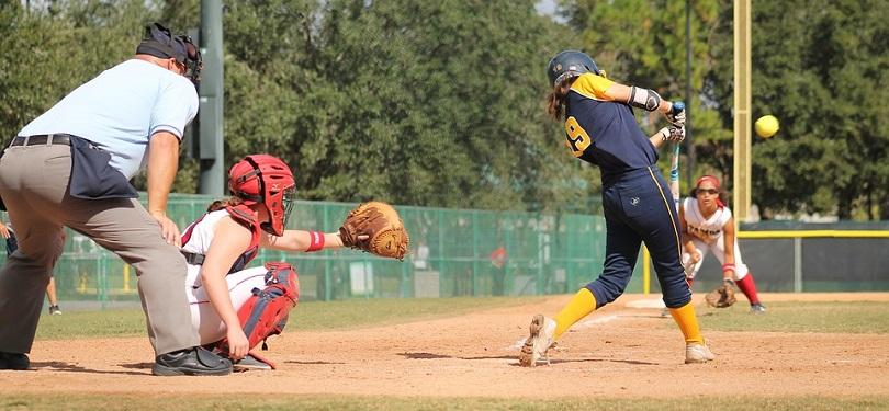 softball balle-molle sport jeu photo MaggiePoo via Pixabay CC0 et INFOSuroit_com