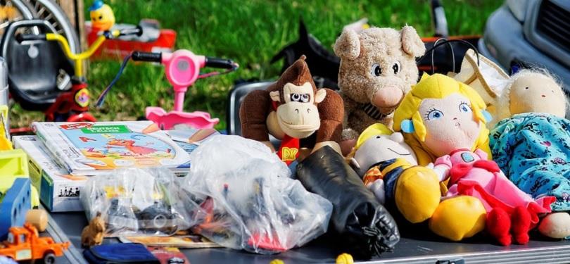vente de garage jouets enfants photo SofiLayla via Pixabay CC0 et INFOSuroit