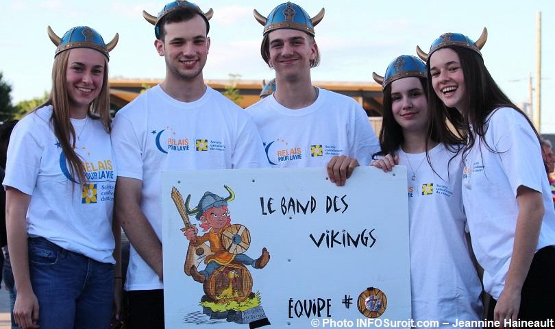 Relais-pour-la-vie-2018-a-Beauharnois-marcheurs-Band-des-Vikings-photo-INFOSuroit-Jeannine_Haineault