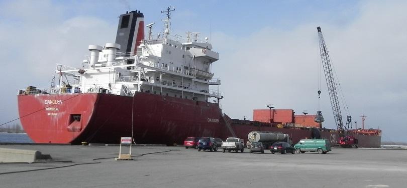 bateau navire cargo cargaison Port de Valleyfield en 2011 photo courtoisie SPV