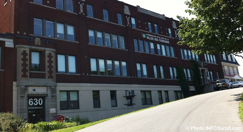 commission scolaire Vallee-des-Tisserands centre administratif photo INFOSuroit