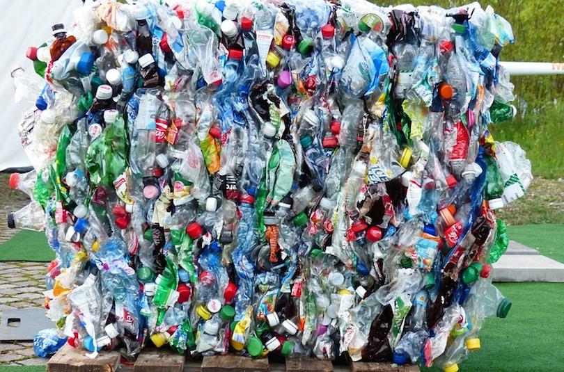 environnement plastique recuperation matieres recyclables photo Hans via Pixabay CC0 et INFOSuroit
