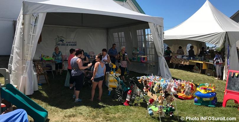 Bazar St-Louis-de-Gonzague jouets kiosques juillet2018 photo INFOSuroit