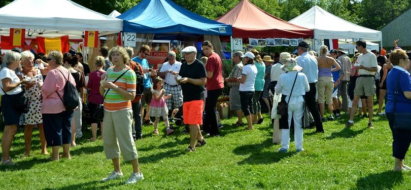 Festival de la SOUPE VS kiosques et visiteurs 2016 photo courtoisie