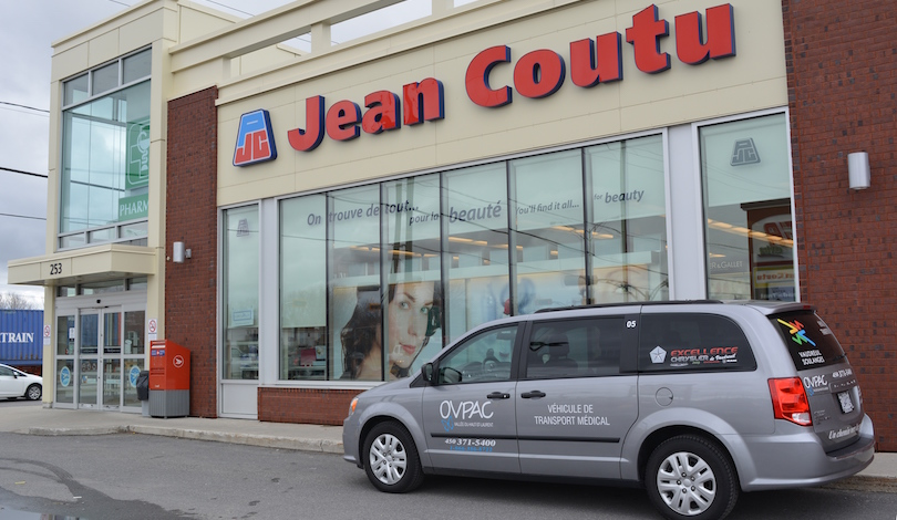 Pharmacie Jean Coutu Vaudreuil-Dorion camionnette OVPAC photo courtoisie OVPAC