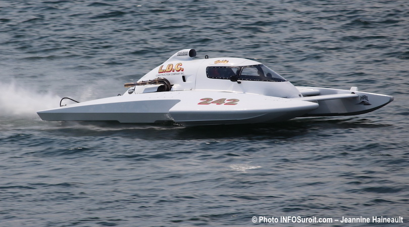 Regates-hydroplane-H-242-Bobby-King-Hydro-350-photo-INFOSuroit-Jeannine_Haineault