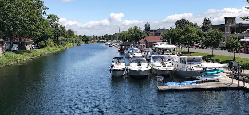 Vieux canal de Beauharnois centre-ville Valleyfield durant Regates bateaux visiteurs animation photo INFOSuroit