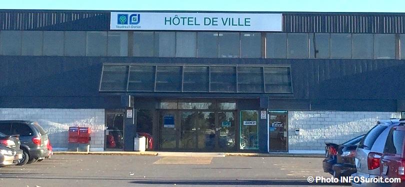 Ville-de-Vaudreuil-Dorion-hotel-de-ville-photo-INFOSuroit_com