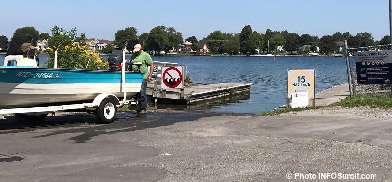 rampe mise a l_eau descente de bateaux parc Marcil a Valleyfield photo INFOSuroit