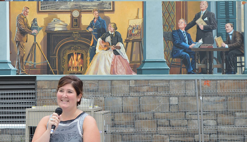 Anne_Bouthillier inauguration fresque 150 ans Beauharnois photo INFOSuroit