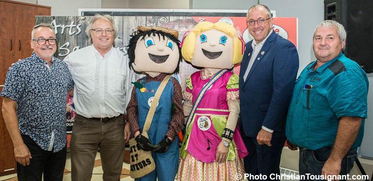 Mascottes-Festival-arts-et-saveurs-photo-courtoisie-VM-publiee-par-INFOSuroit