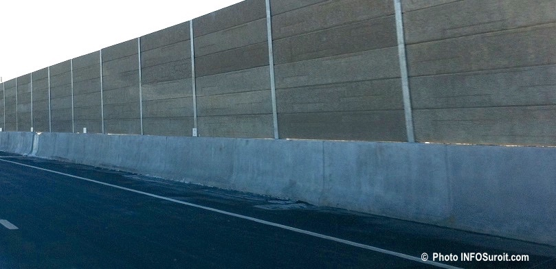 autoroute 30 mur ecran anti-bruit a Chateauguay A30 photo INFOSuroit