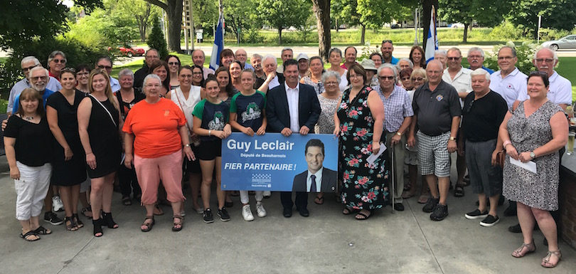 depute Beauharnois GLeclair soutien action benevole remise subventions OBNL a Valleyfield aout2018 photo courtoisie