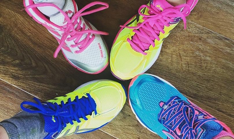 espadrilles souliers de course homme femme photo SocialMaMag via Pixabay CC0 et INFOSuroit