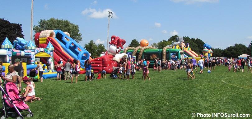 grande fete familiale Chateauguay jeux gonflables visiteurs photo INFOSuroit