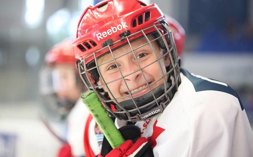hockey jeune photo LuckyLife11 via Pixabay CC0 et INFOSuroit