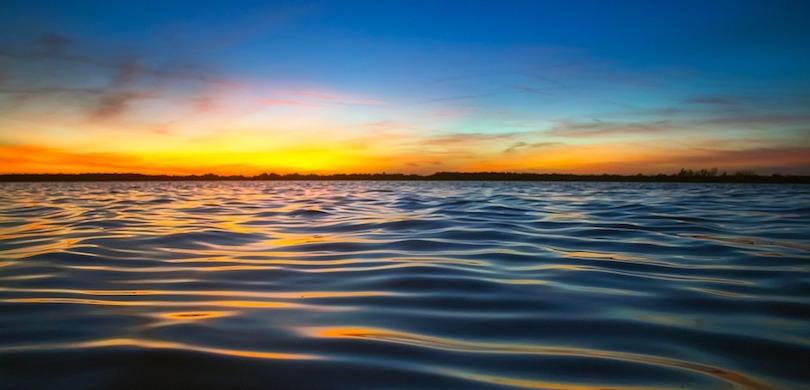 lac coucher du soleil photo 12019 via Pixabay CC0 et INFOSuroit_com