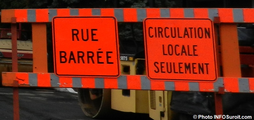 signalisation rue barree circulation locale detour photo INFOSuroit