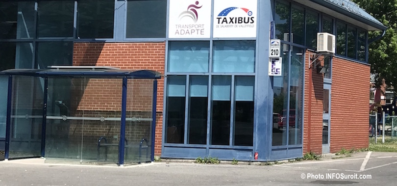 taxibus bureaux rue Hebert a Valleyfield photo INFOSuroit