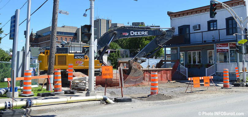 travaux pole institutionnel rue Salaberry coin Larocque a Valleyfield aout2018 photo INFOSuroit