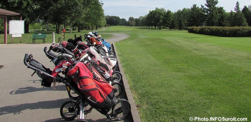 trou numero 1 depart Club de golf Valleyfield sacs de golf photo INFOSuroit
