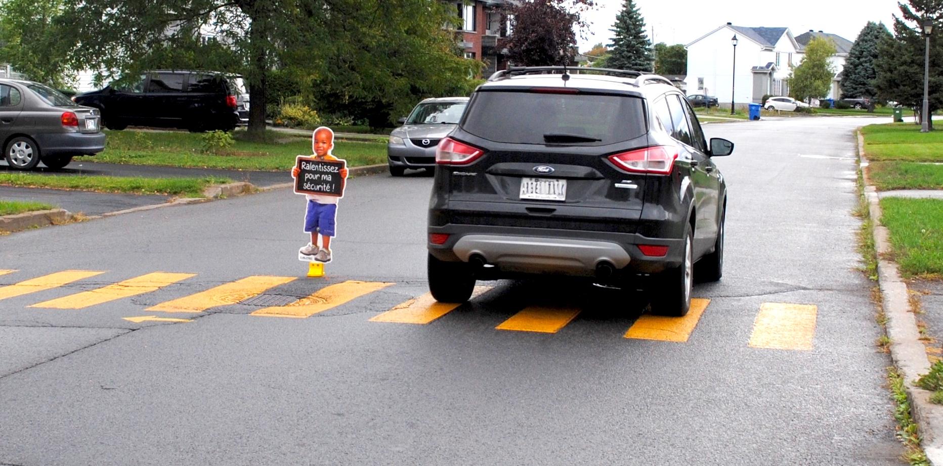 bollard signalisation silhouette enfant securite routiere pieton photo courtoisie Ville Mercier