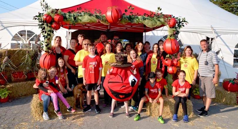 festival familial de la Tomate de Ste-Marthe benevoles et organisateurs photo via page Facebook FTSM