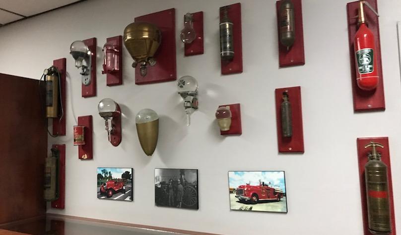 porte ouverte caserne pompiers Valleyfield 2017 vieux extincteurs photo INFOSuroit