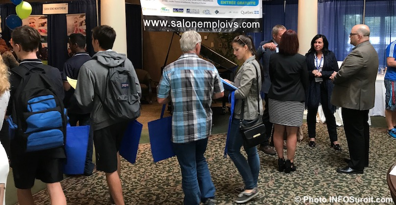 salon Emploi VS 2017 entree visiteurs accueil photo INFOSuroit