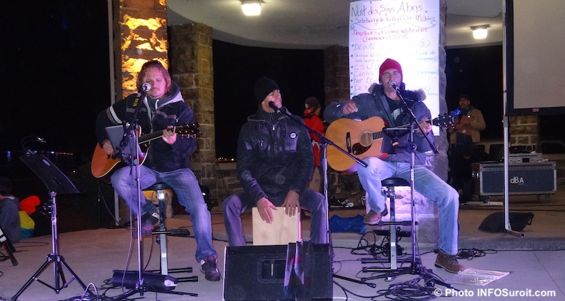 Nuit des sans-abris a Valleyfield musiciens photo INFOSuroit