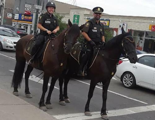 Patrouille equestre de la Surete du Quebec policiers cheval photo courtoisie SQ
