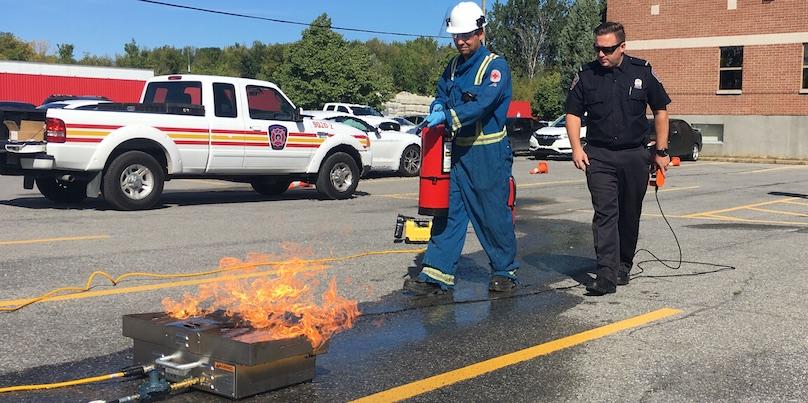 formation en entreprise extinction incendie avec pompiers Chateauguay photo courtoisie VC