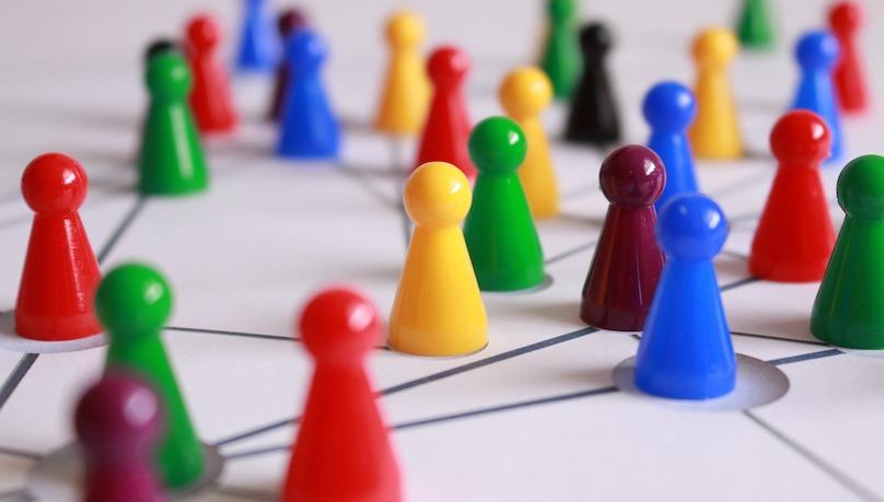 reseau developpement social communaute photo Geralt via Pixabay CC0 et INFOSuroit