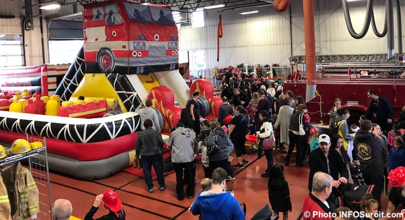 visiteurs portes ouvertes caserne pompiers Valleyfield oct 2017 photo INFOSuroit