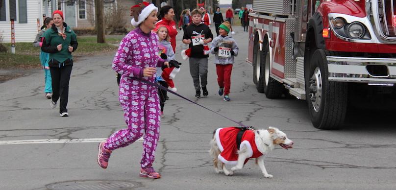 Course et Marche de Rudolphe a ormstown en 2017 familles coureurs chien photo courtoisie