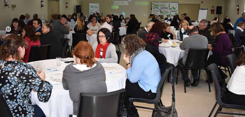 Forum regional sur developpement social durable de Vaudreuil-Soulanges participants photo via mrc vs