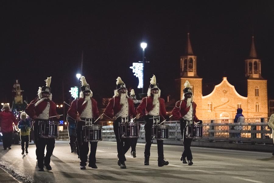 grand defile de Noel parade a Chateauguay en 2016 photo courtoisie Ville Chateauguay