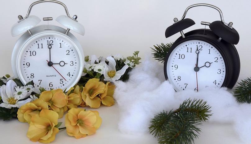 heure avancee printemps et heure normale hiver horloges photo Annca via Pixabay CC0 et INFOSuroit_com