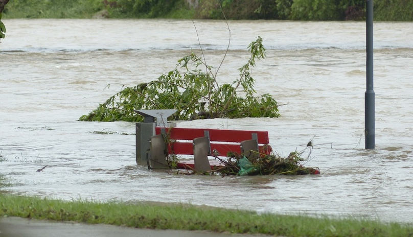 inondation changements climatiques riviere photo Hans via Pixabay CC0 et INFOSuroit