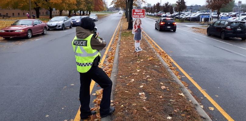 securite routiere attention ecoliers 1nov2018 a Valleyfield Photo via Surete_du_Quebec SQ