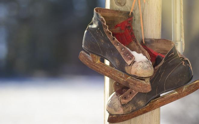 vieux patins vintage hiver decoration photo Free-Photos via Pixabay CC0 et INFOSuroit